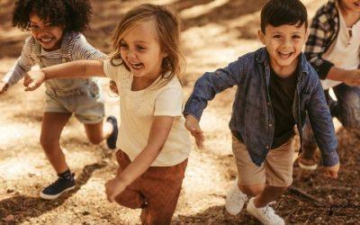 Dzieci w ogrodzie- jak zaprojektować przestrzeń zabawy?
